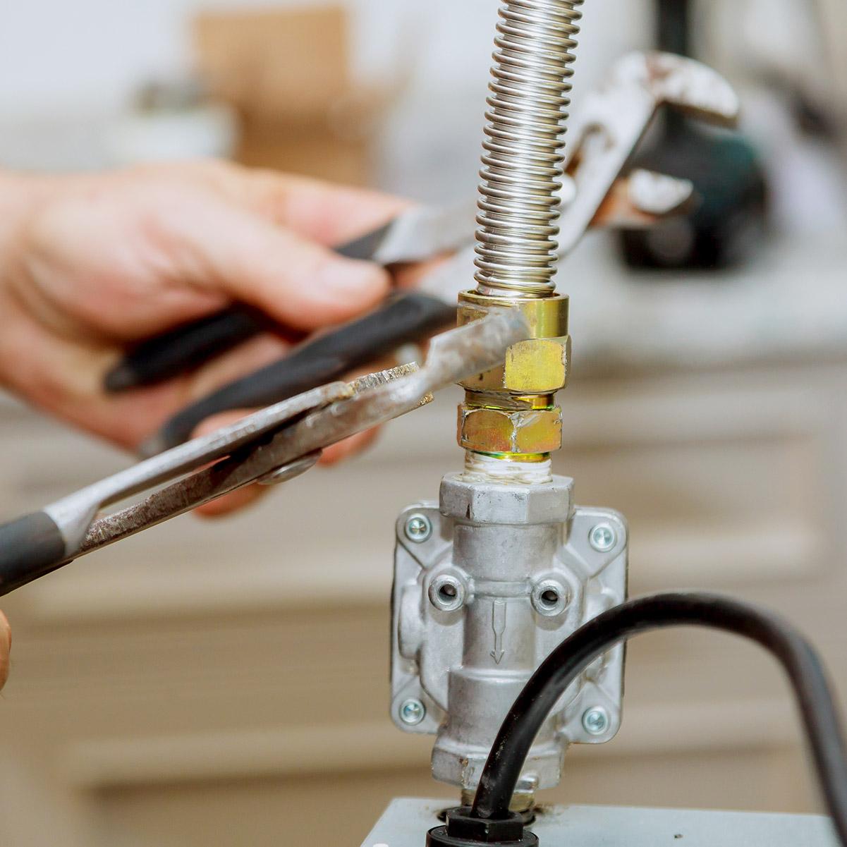 Gas Leaks & <br>Gas Maintenance